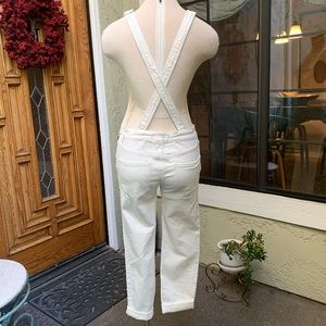 Free People Jeans - FREE PEOPLE Winter White Overalls Size 25 Like New